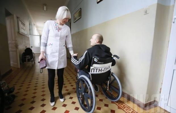 Заботливый персонал военного госпиталя