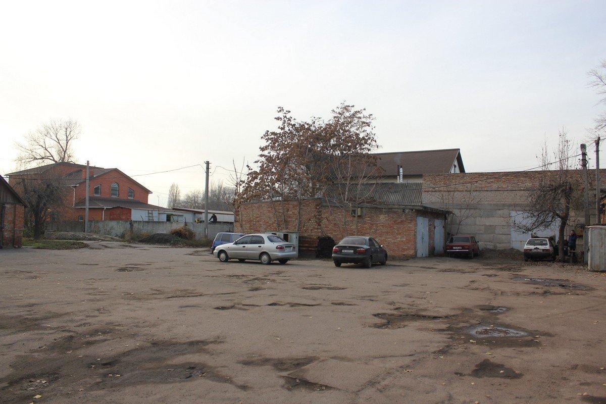 Во дворе Никопольской станции скорой помощи
