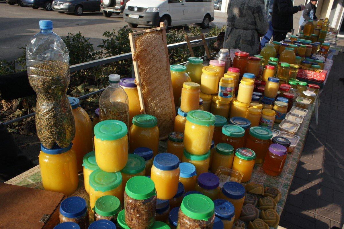 Пчелиная пыльца, медовый воск, всевозможные продукты жизнидеятельности пчелы