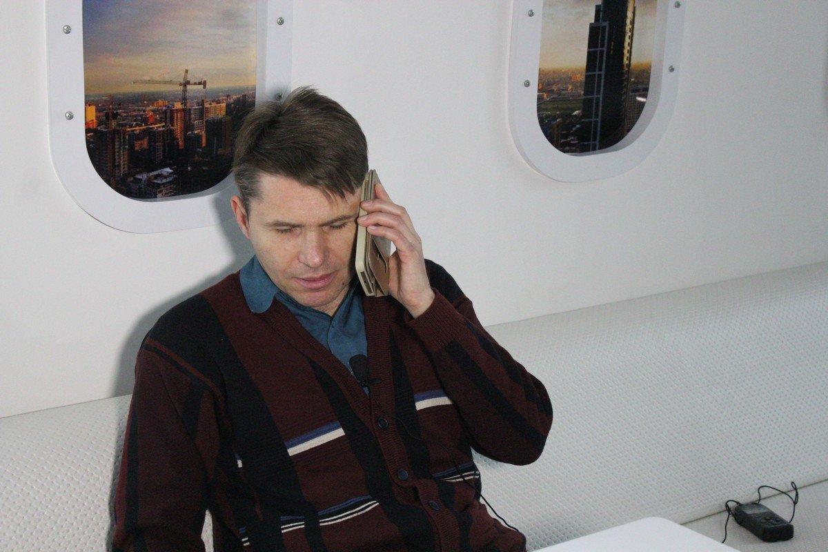 Стоимость нового телефона - 4 200 гривен