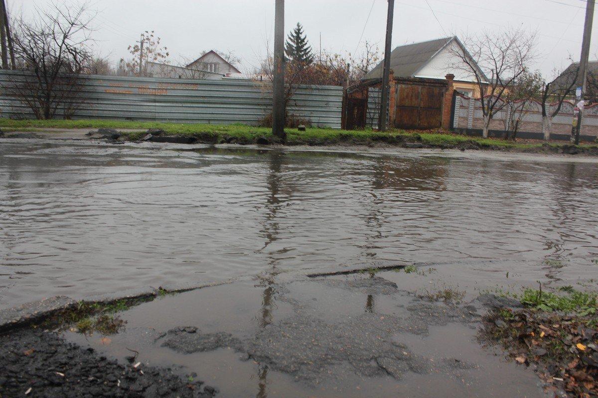 Большинство дорог в Никополе затоплены