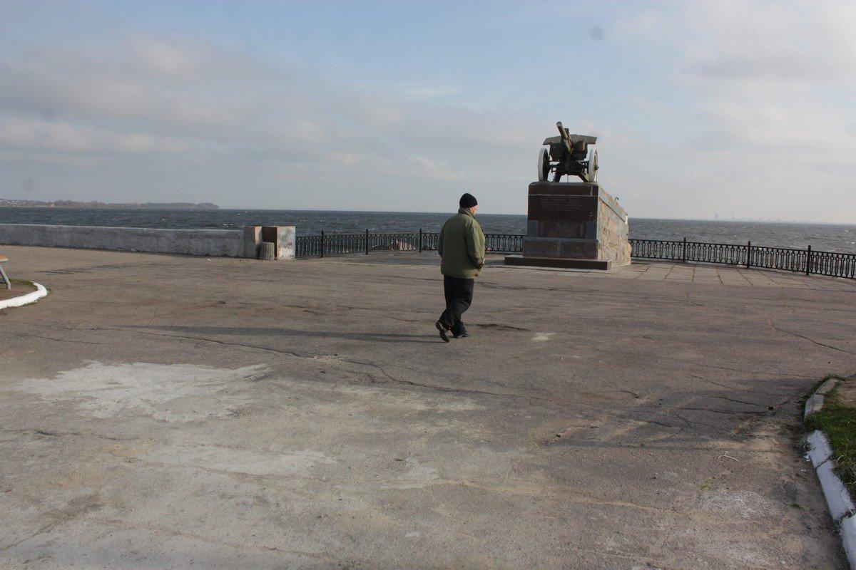 """Памятник """"Пушка"""" с новая ступень для возложения цветов"""