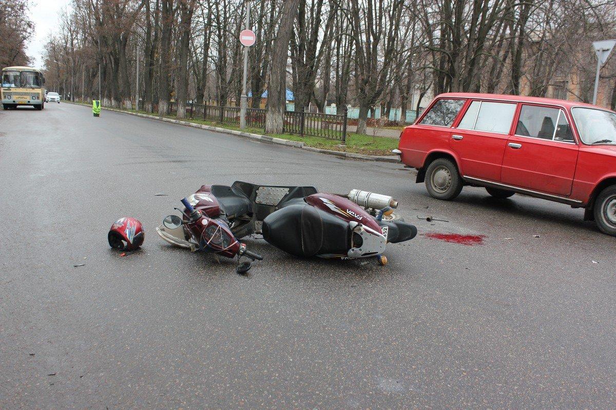Мопедист попал под колеса ВАЗ