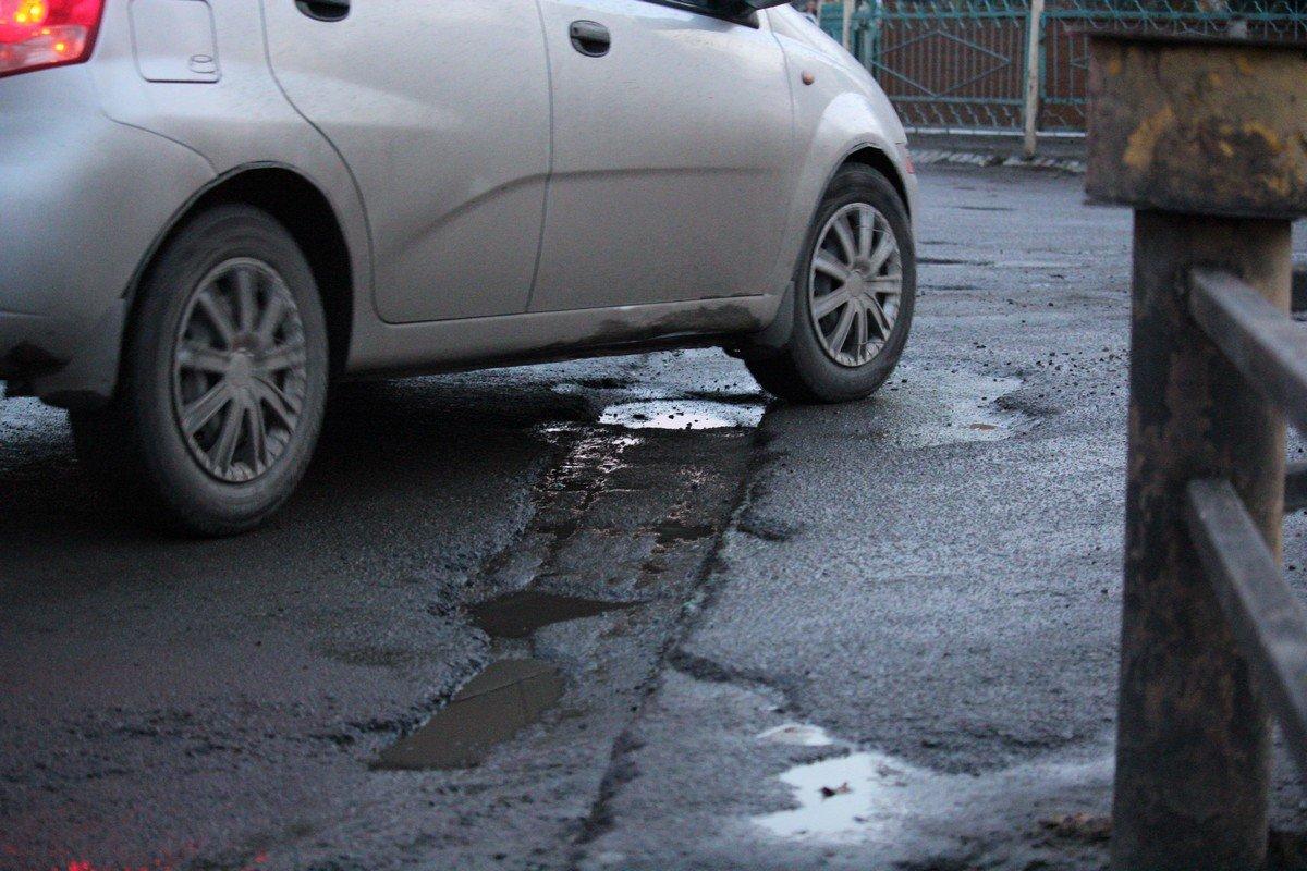 Автомобилисты несут убытки из-за состояния дорожного полотна
