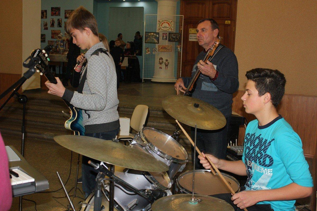 Сосредоточенные на музыке участники группы