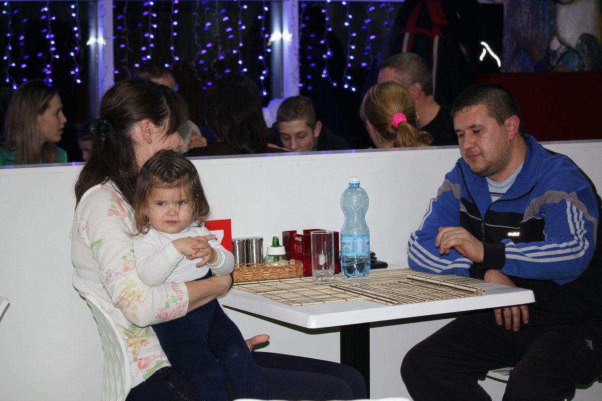 Семьи с детьми отдыхают