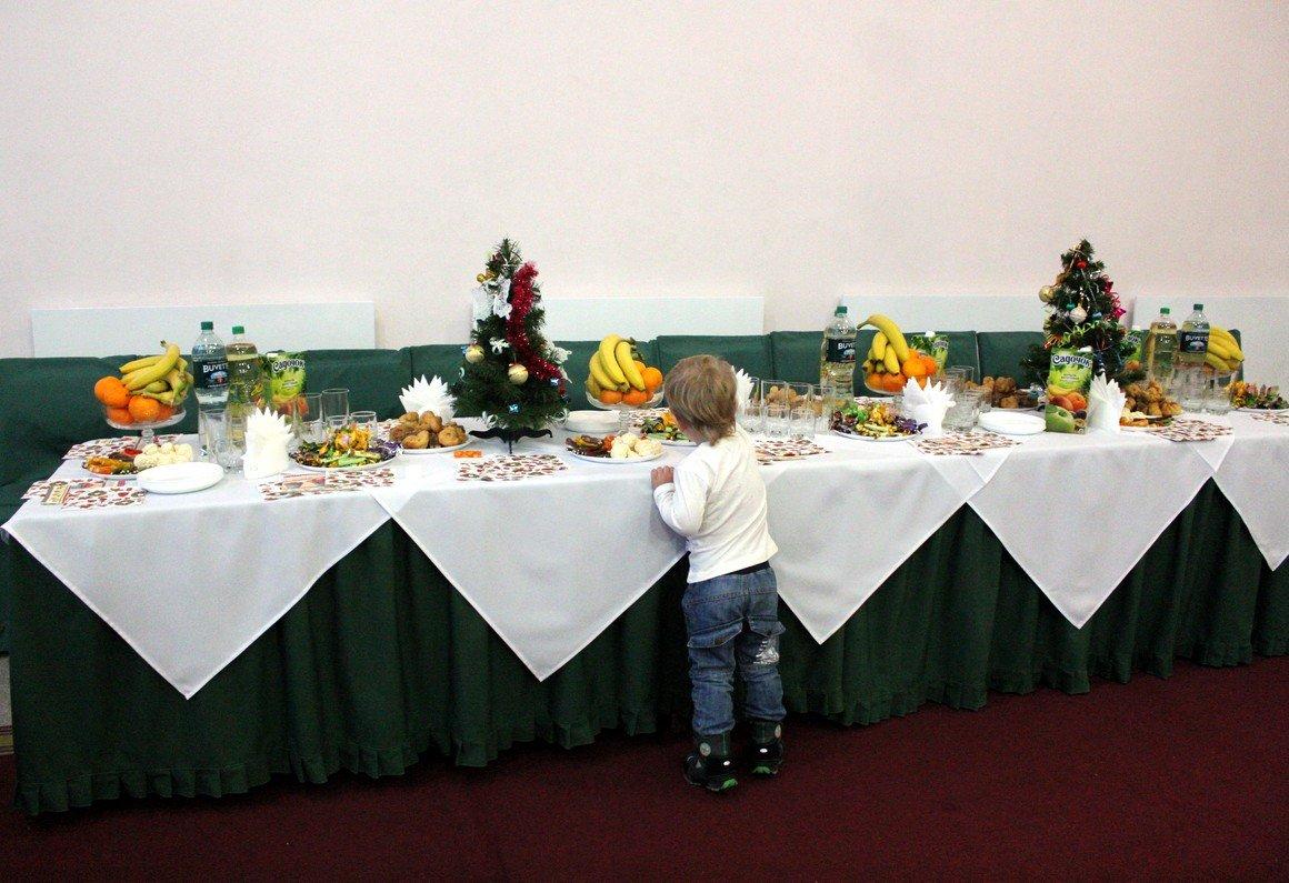 Сладкий стол - подарок детям