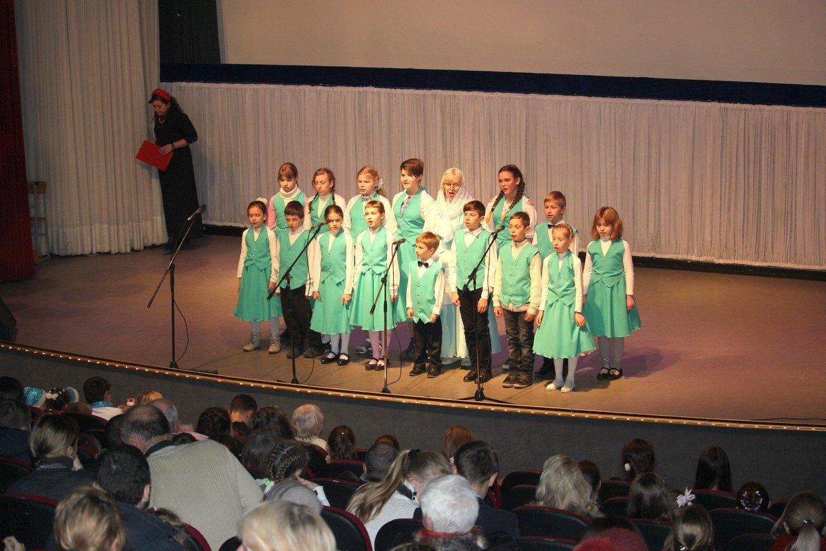 Детский хор воскресной школы открыл традиционное торжество