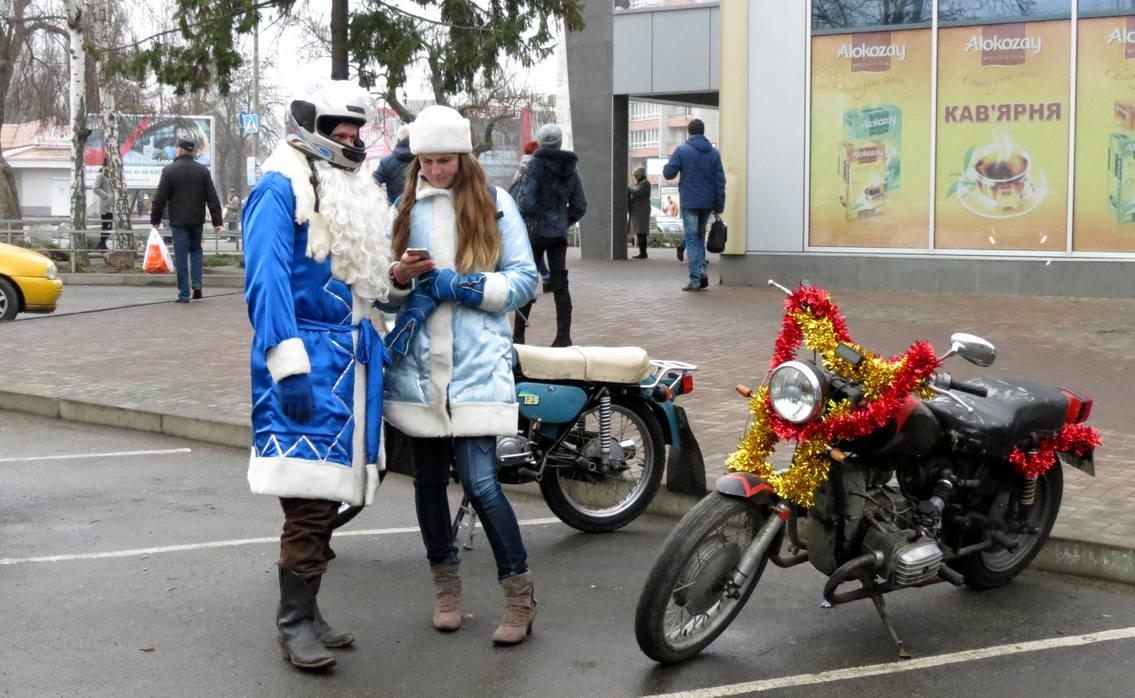 Пятый год подряд байкеры собираются веселой компанией