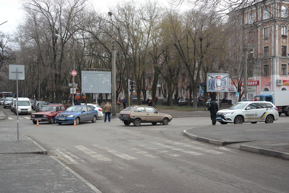 На пересечении проспекта Трубников и улицы Героев Чернобыля столкнулись два автомобиля