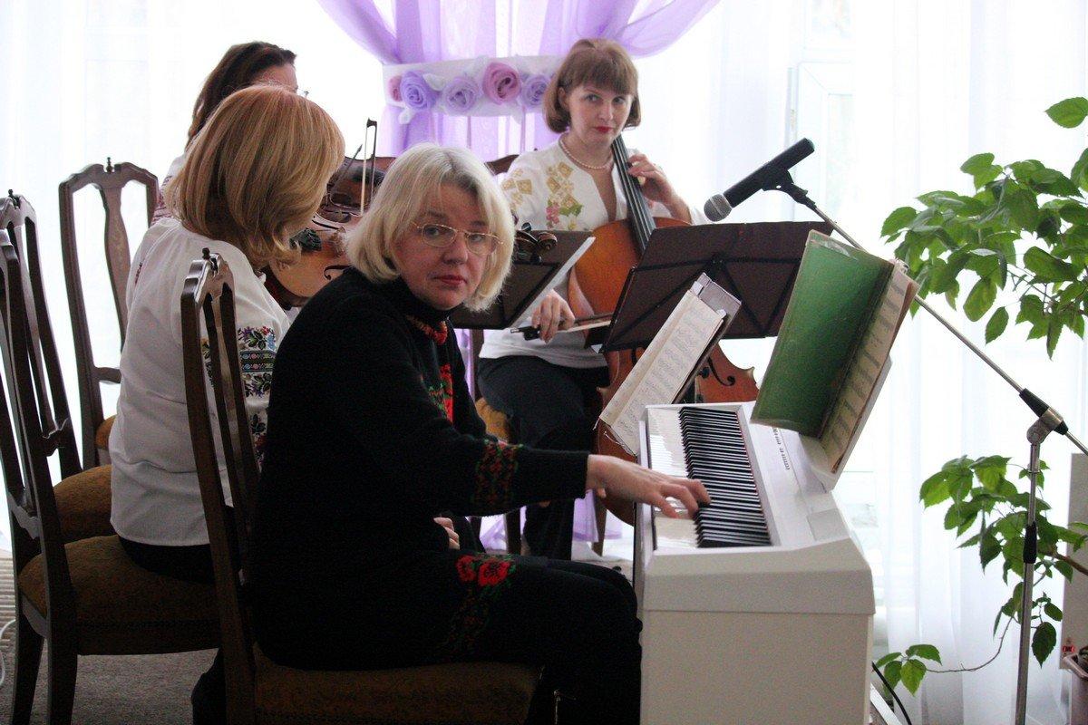 Главный инструмент - пианино