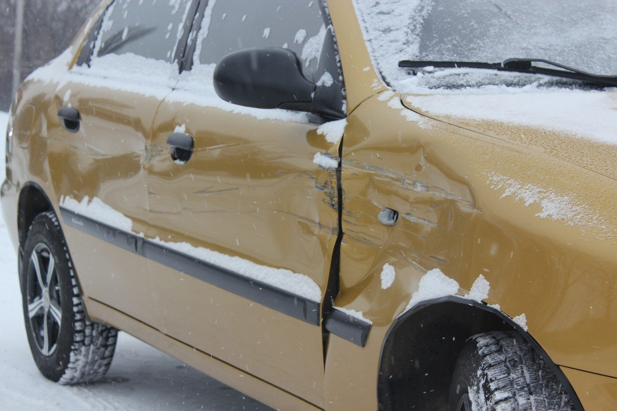 Механические повреждения автомобиля Lanos