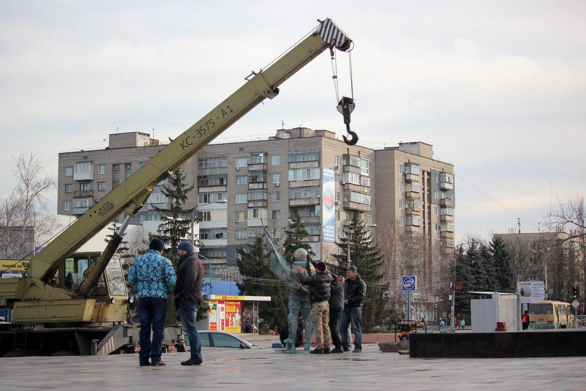 Монумент обошелся примерно в 700 000 гривен