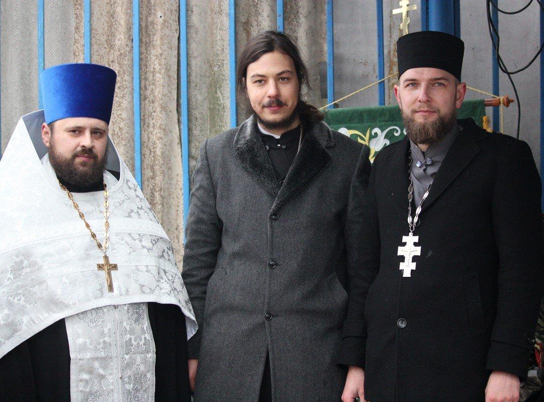 На детском пляже воду крестили представители УПЦ Киевского патриархата