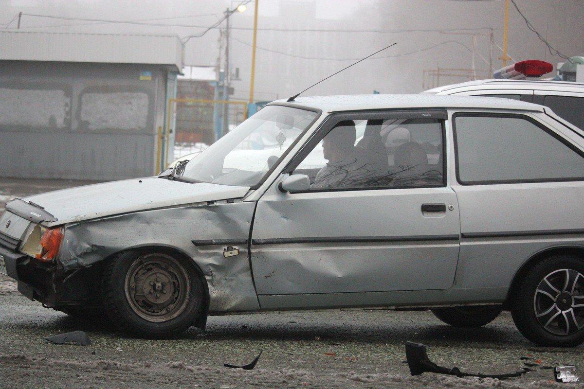 В Таврию на скорости влетел автомобиль Жигули