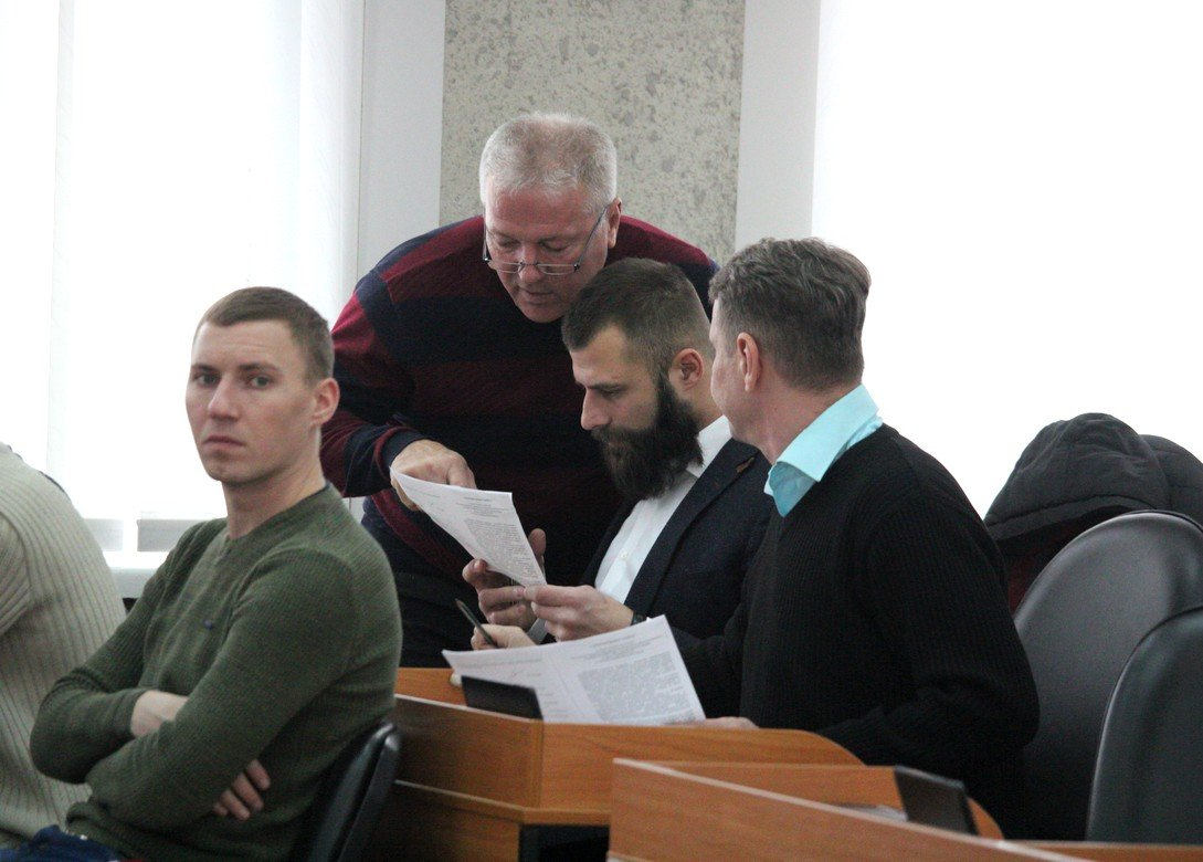 Ликвидация газеты, авто для медиков и рабочие места: как в Никополе прошла сессия горсовета