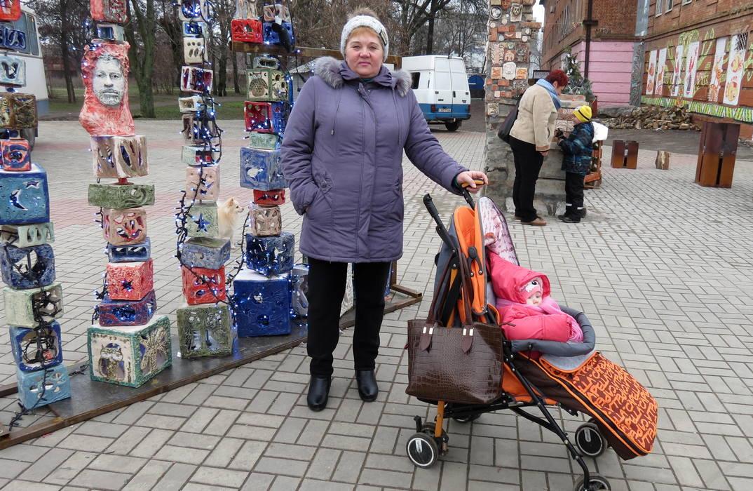 С бабушкой на прогулке