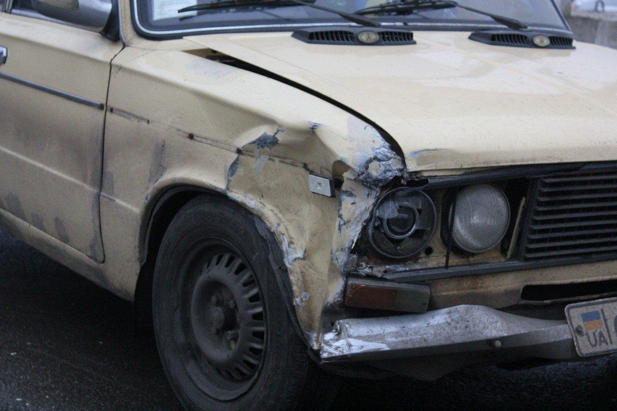 Водитель ВАЗ 2106 нарушил правила дорожного движения