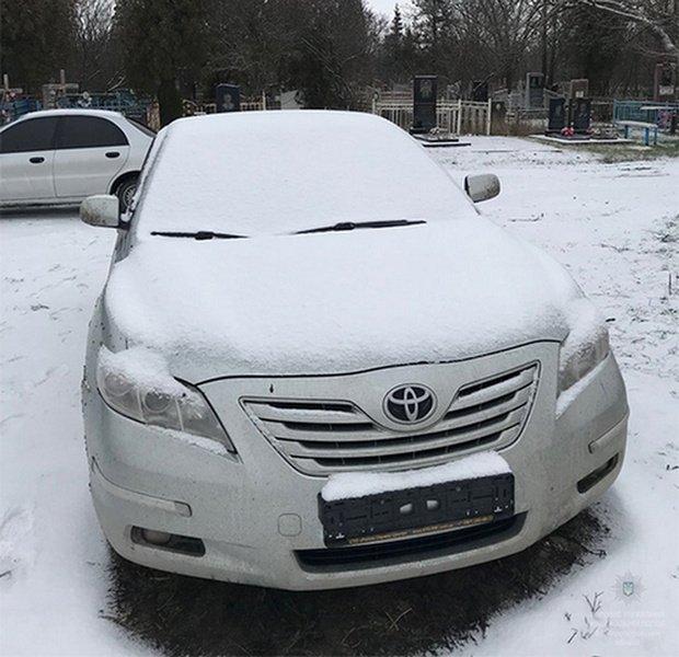 Никопольские полицейские нашли похищенную в Киеве Toyota Camry