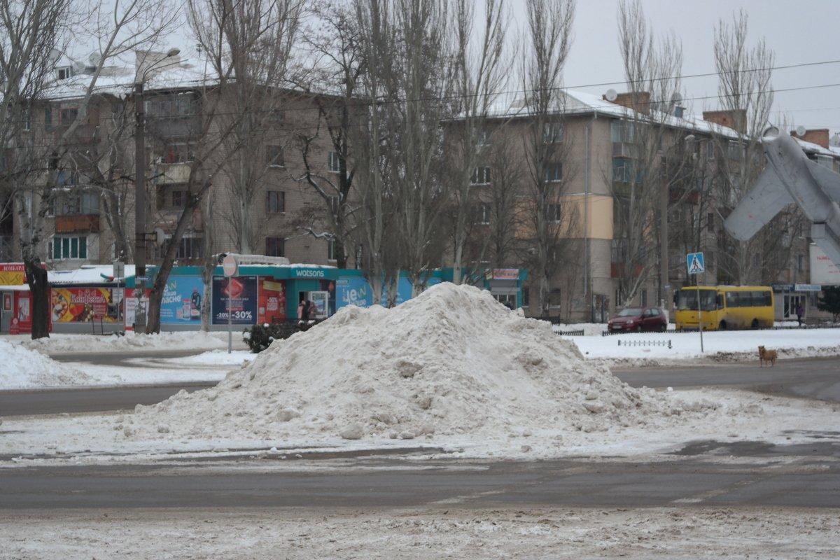 Вывезти снег возможности нет