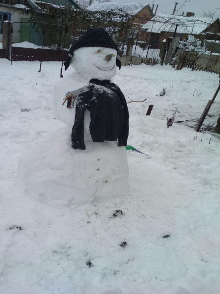 Никополь заполонили снеговики