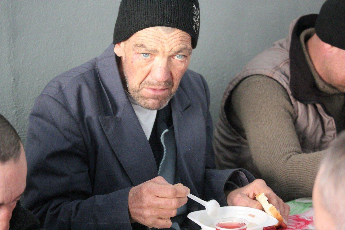 Для бездомных предлагают 3-х разовое питание