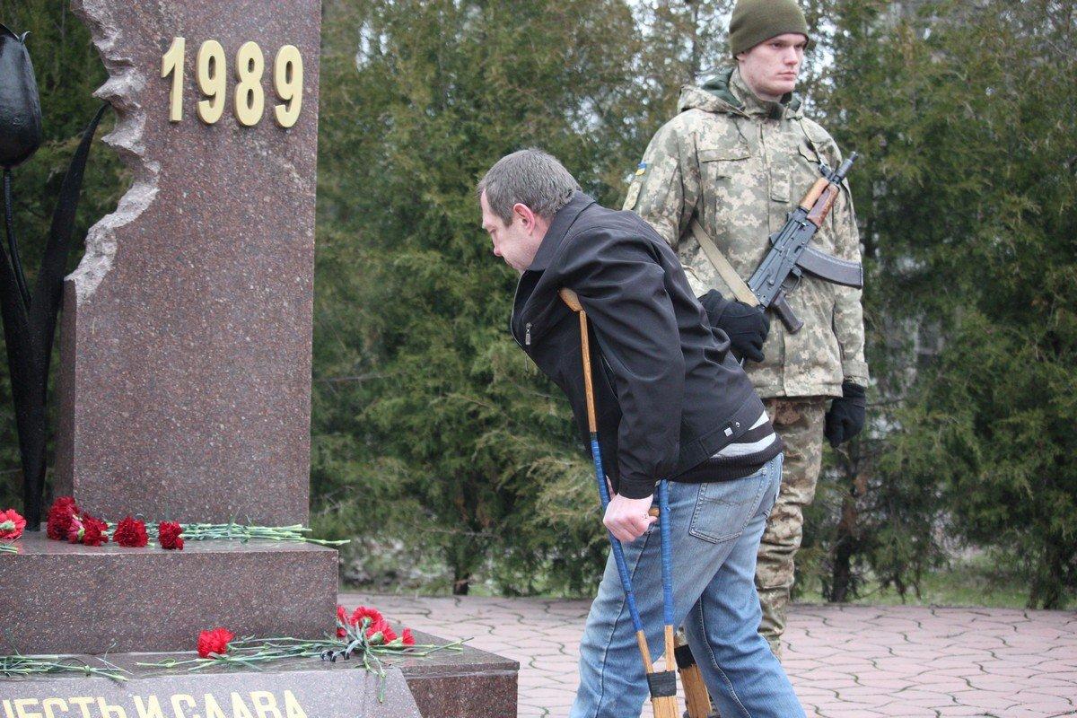 8 тысяч вернулись в Украину ранеными или инвалидами