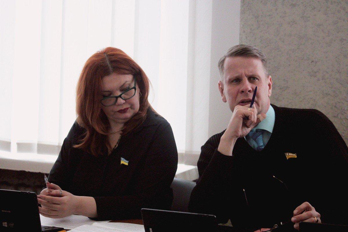 28 февраля депутатыНикопольского городского совета собрались на внеочередную 32 сессию