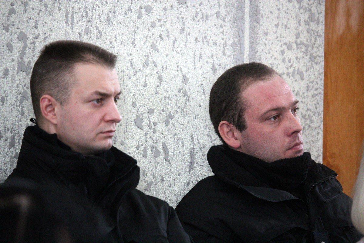 Александр Рыбаков на сессию пришел с охраной