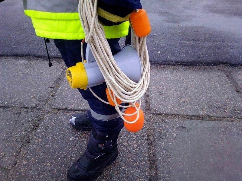 Веревка поможет вытащить утопающего
