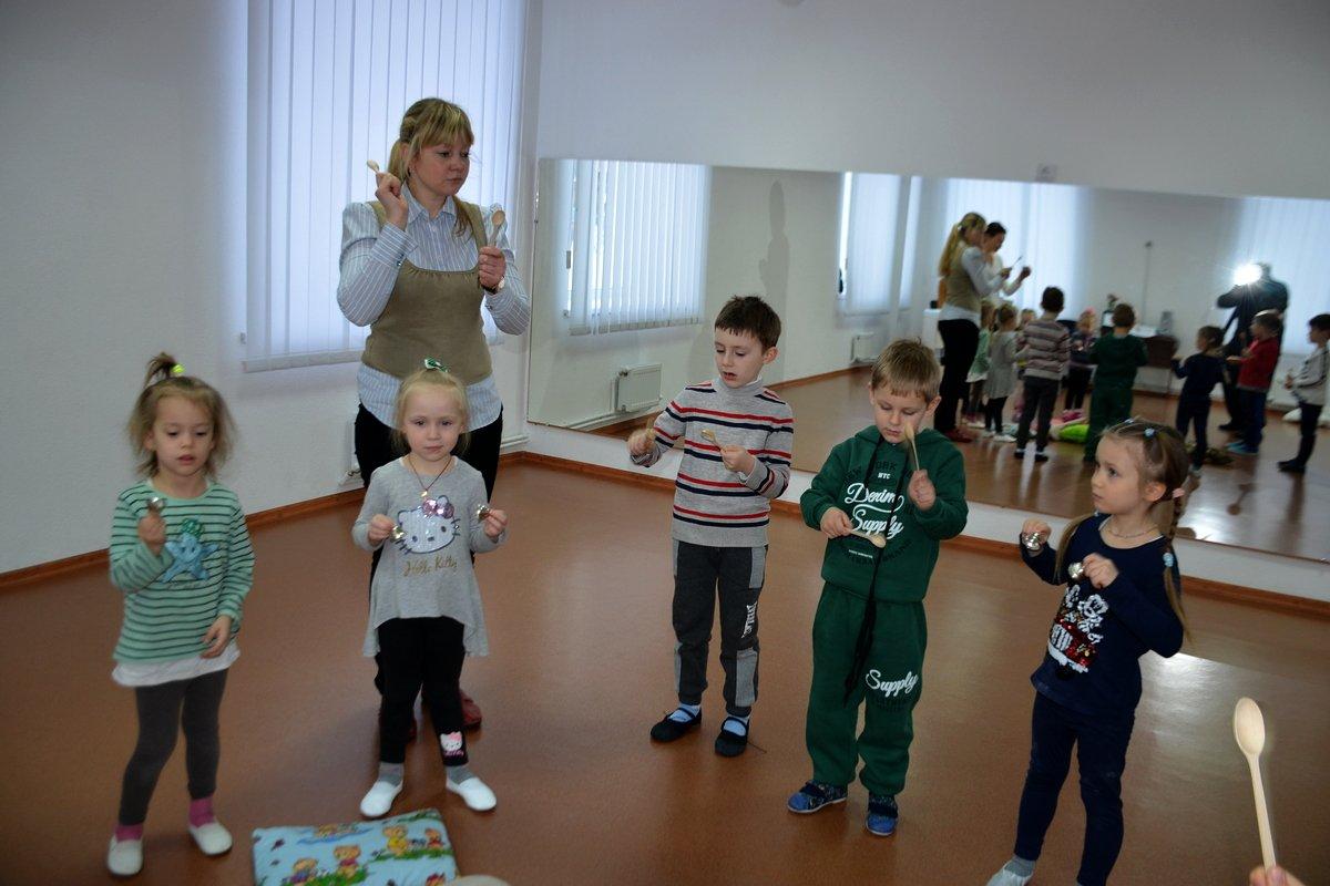 В экспериментальном классе учатся 20 детей