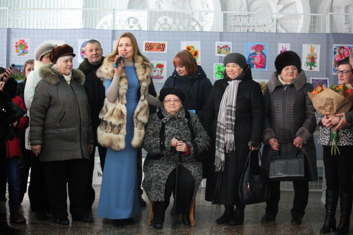 Валентина Шарантай пришла на свою первую выставку в Никополе