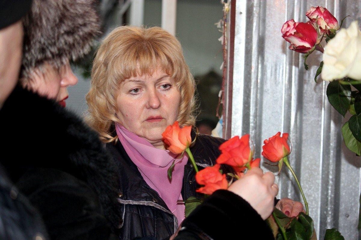 8 марта розы продают по 50 гривен за штуку