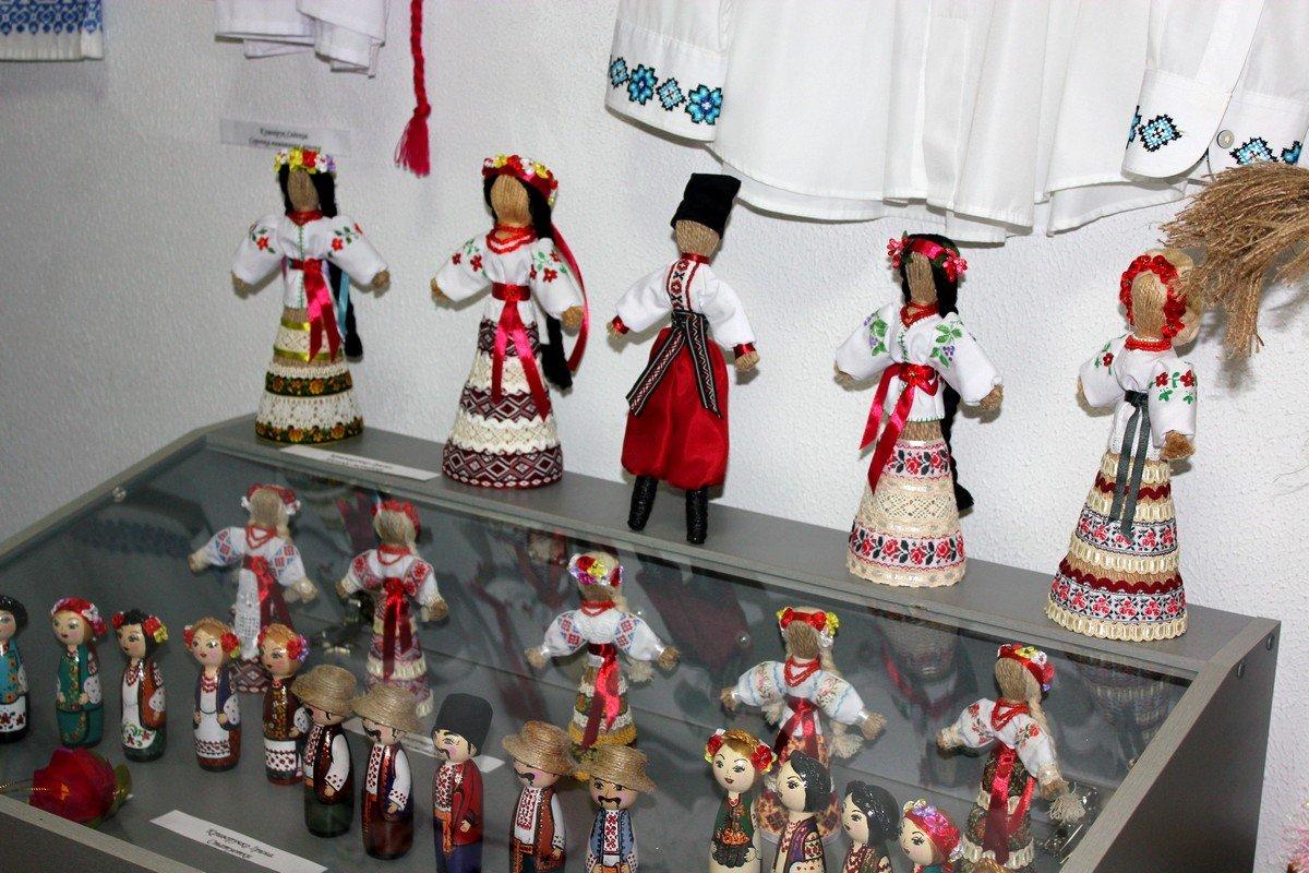 На выставке собрано немало кукол-мотанок