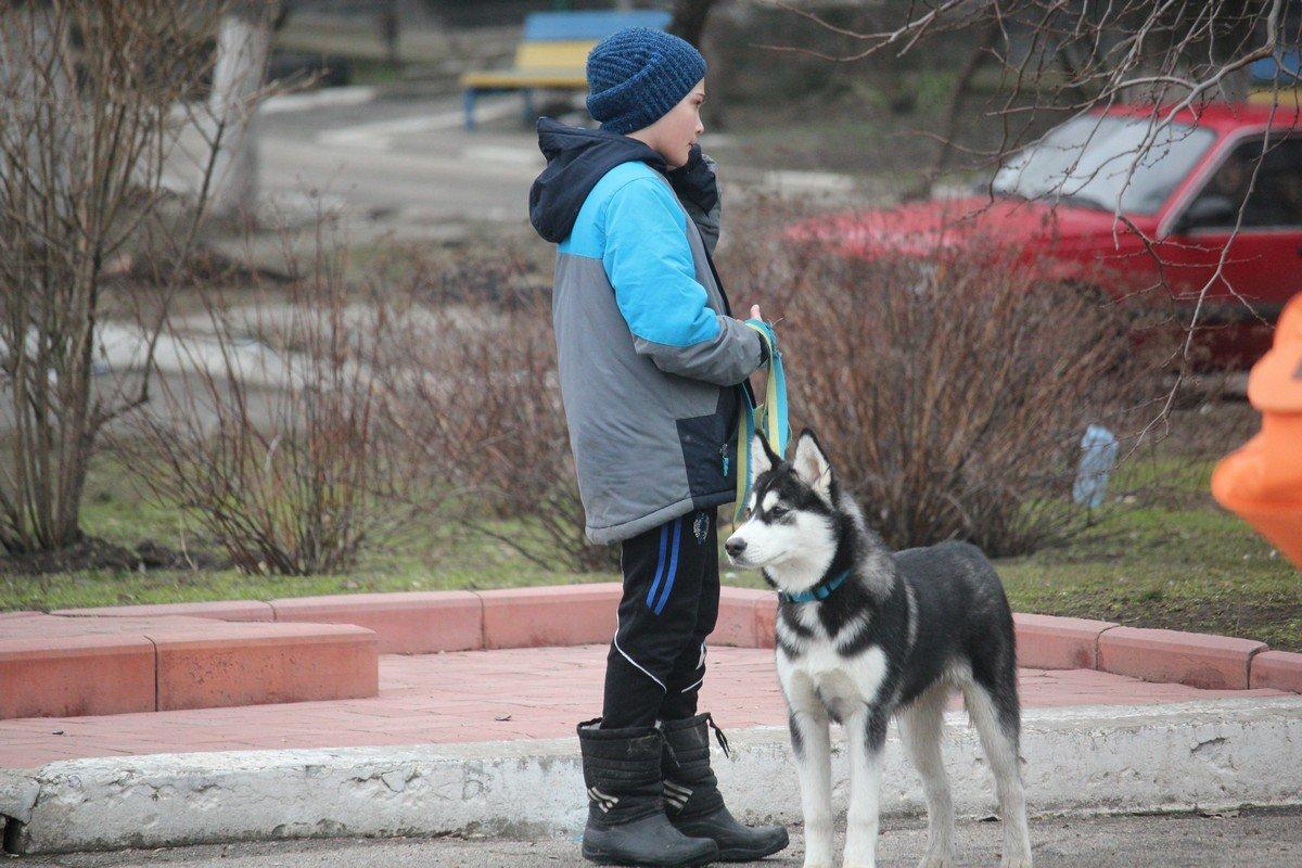С другом на прогулке
