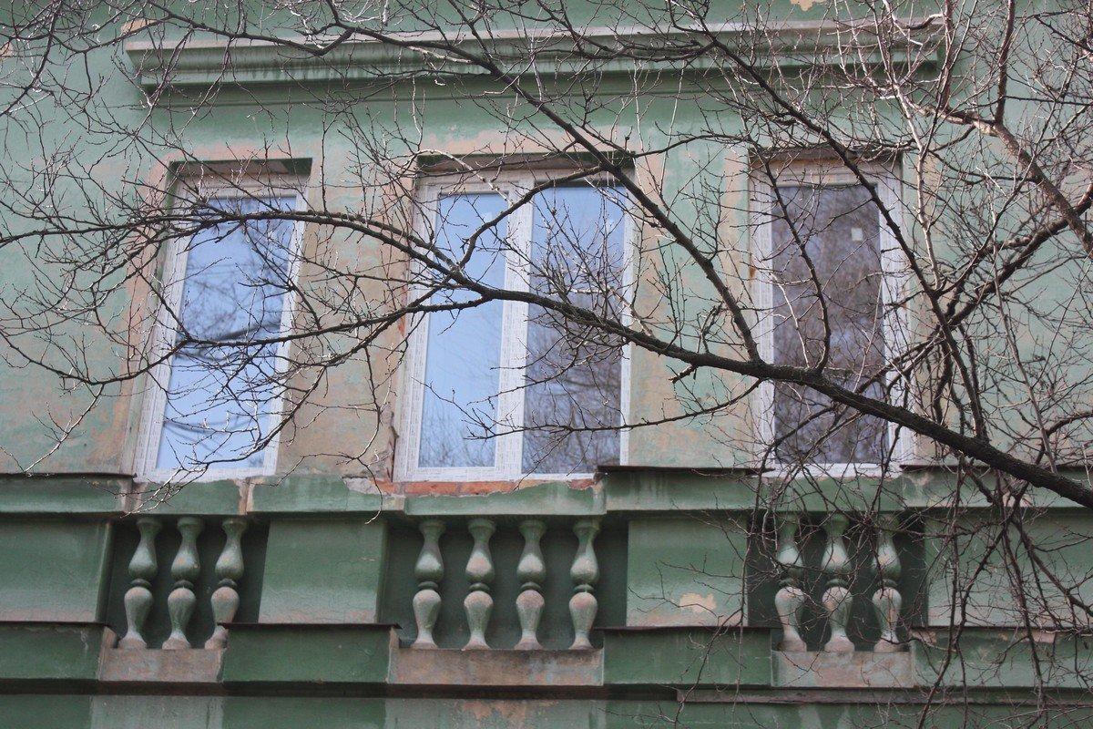 В здании установили новые окна