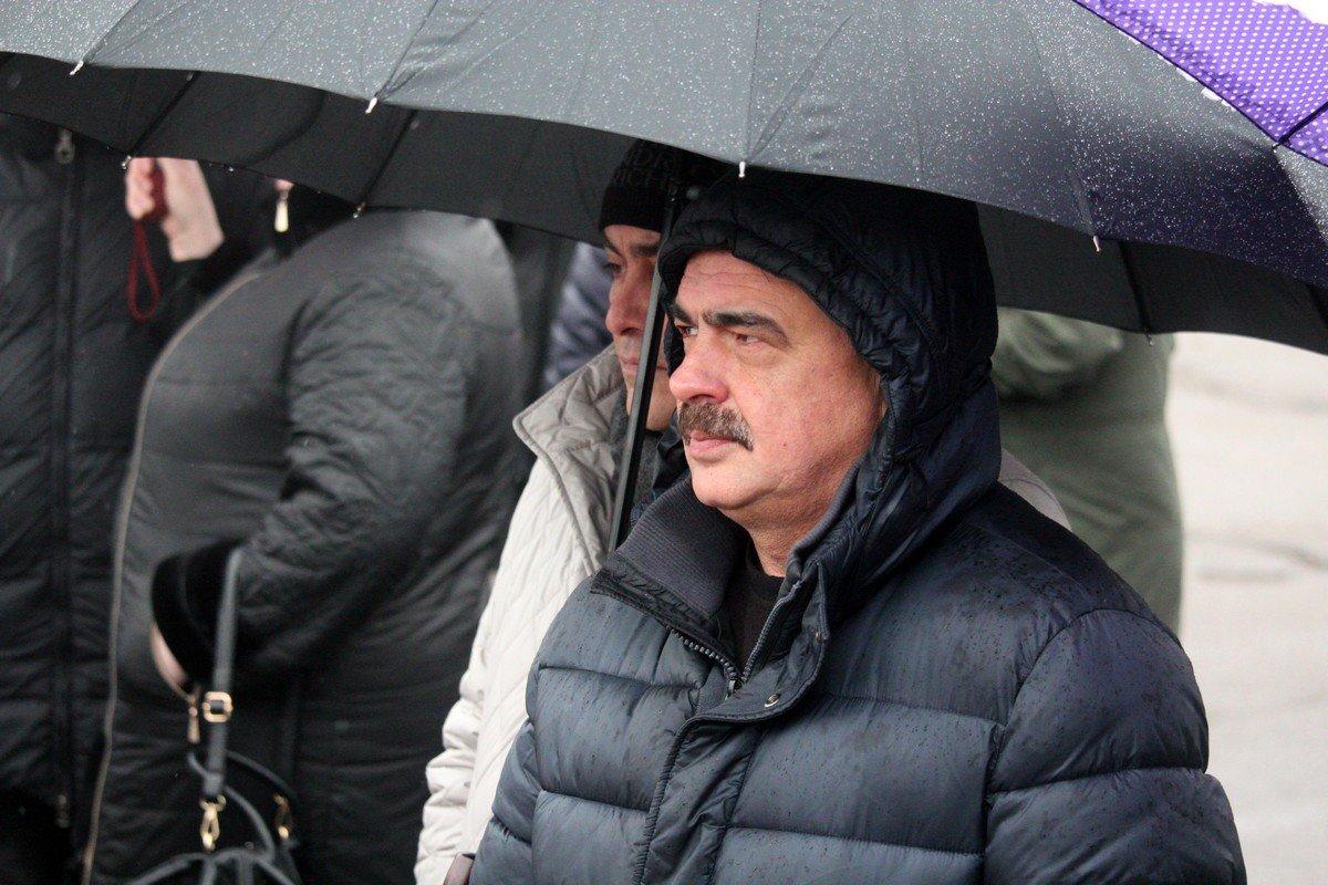 Представители завода ферросплавов на общегородском митинге