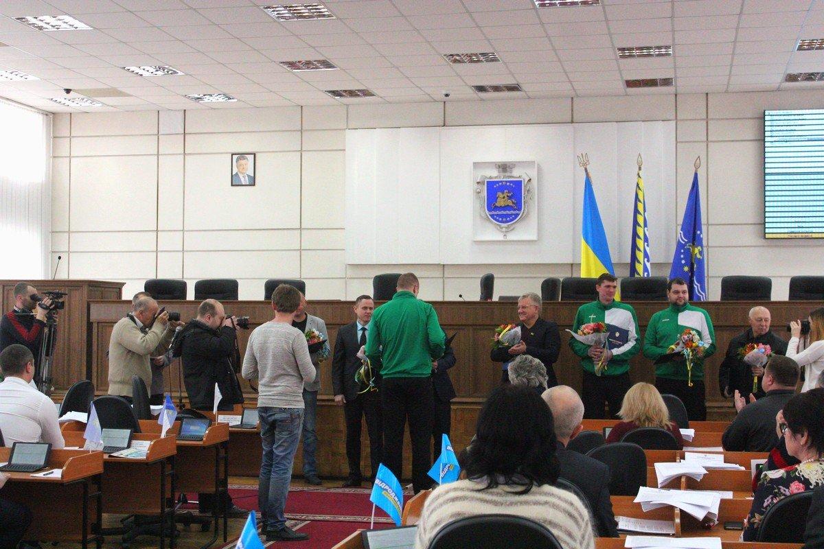 Победители ЧемпионатаУкраины по волейболусреди мужских команд второй лиги в горсовете