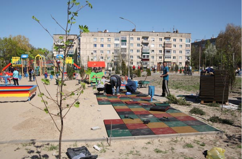 В Марганце благоустраиваютLove-парк на улице Бульварной