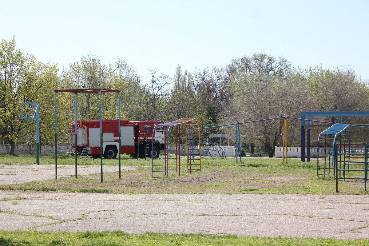 Сегодня спасатели проведут рейд еще в двух школах города