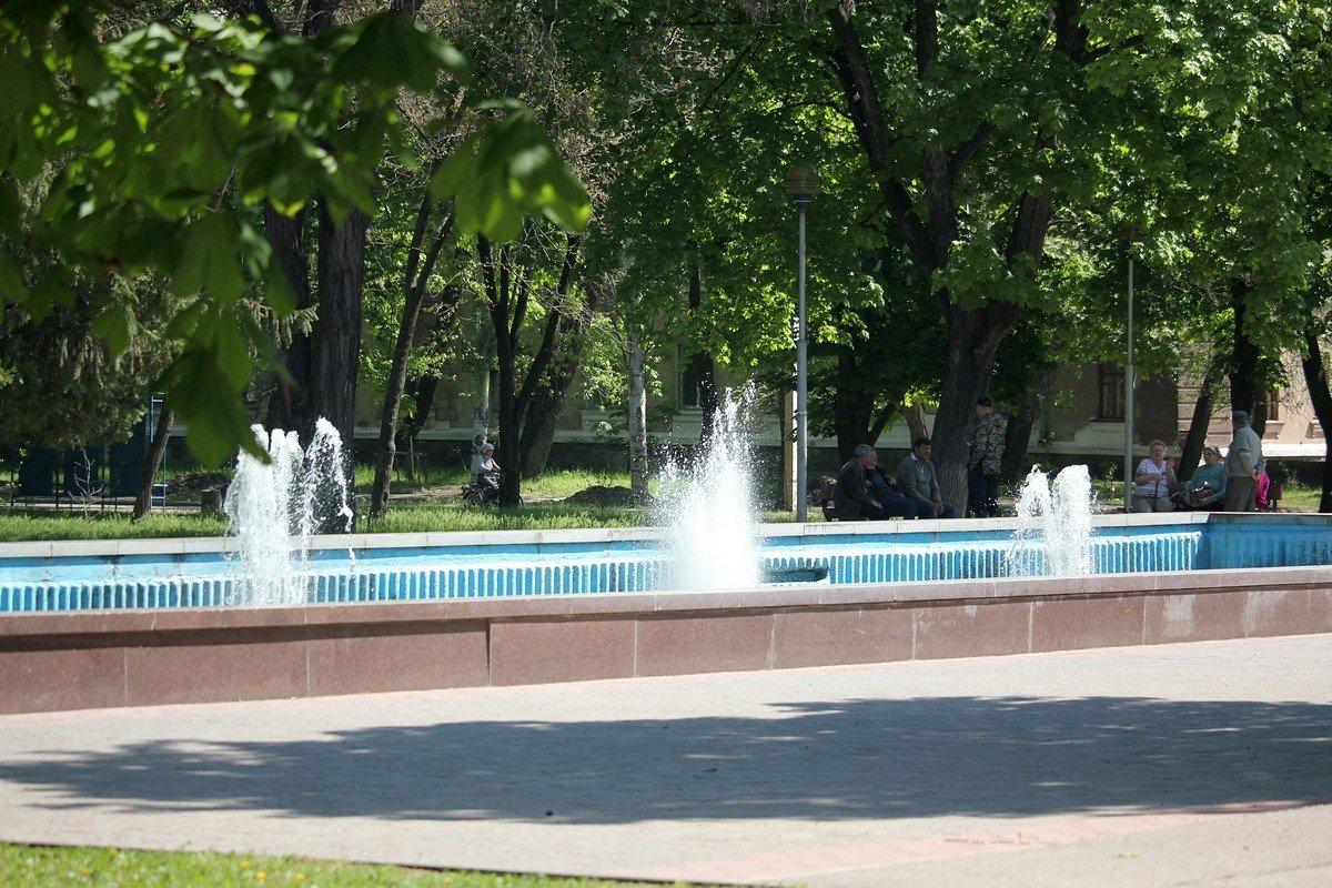 Скромный фонтан в центре Никополя