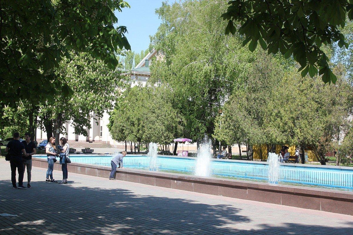 Центральная часть города в фонтанах