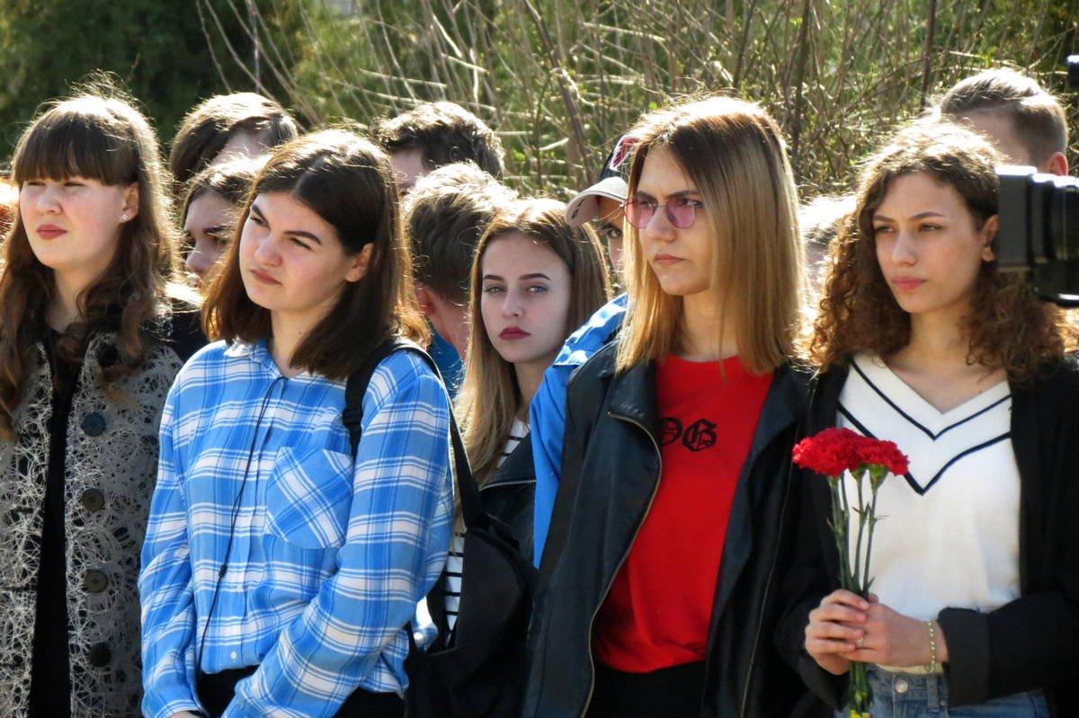 Учащиеся школ пришли на митинг