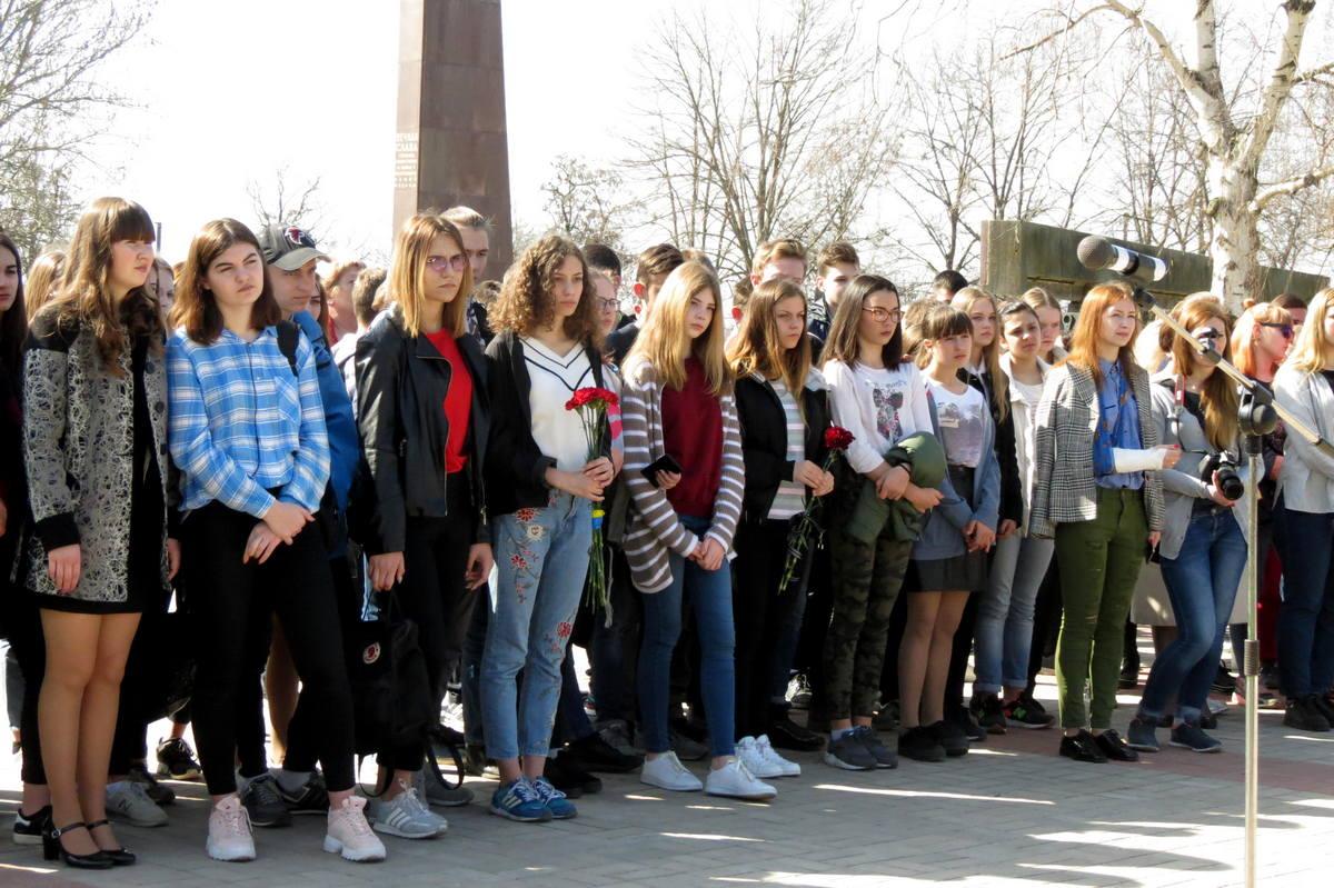 4000 юношей и девушек из Никополя были вывезены в Германиюв годы оккупации
