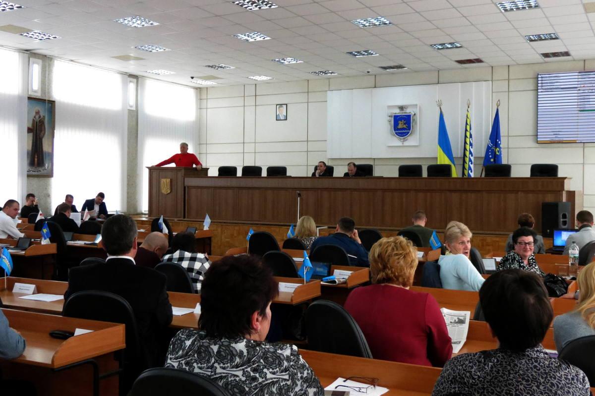 12 апреля в Никополе депутатов собрали на внеочередную сессию горсовета