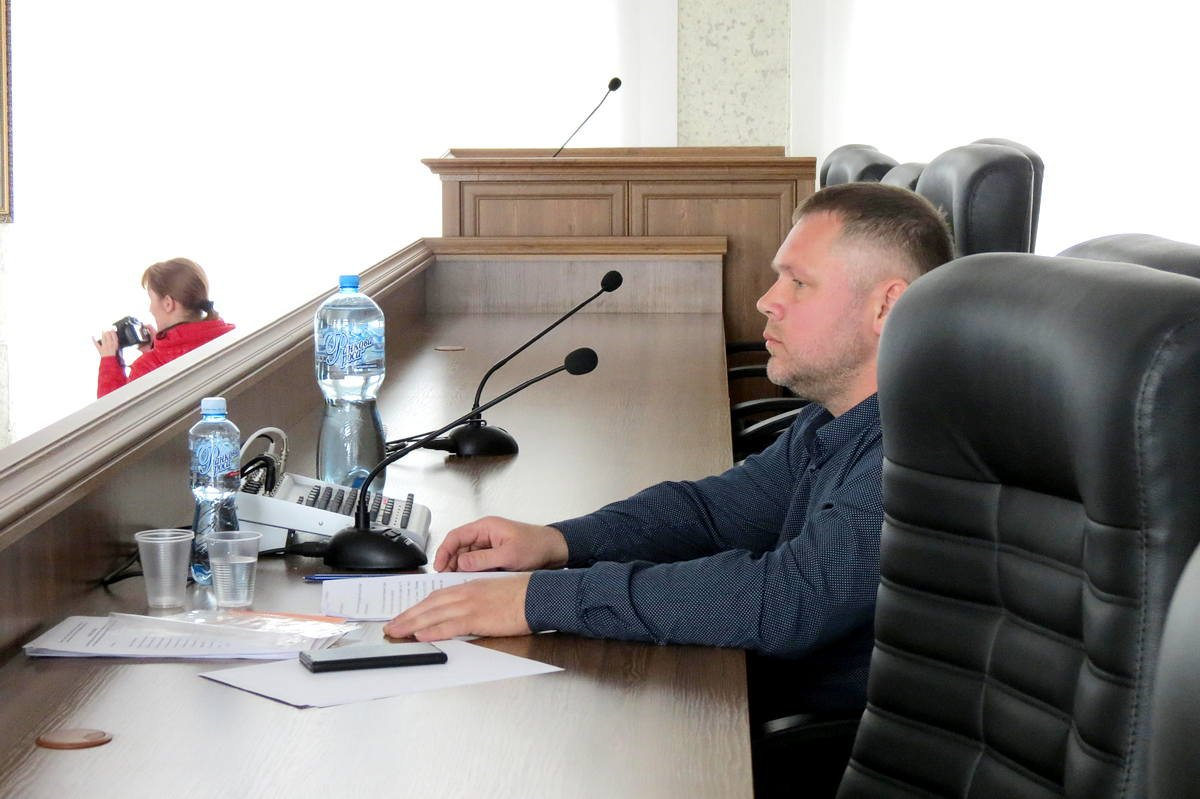 Открыл заседание руководитель спортивно-оздоровительной организации «Аква» Антон Серов
