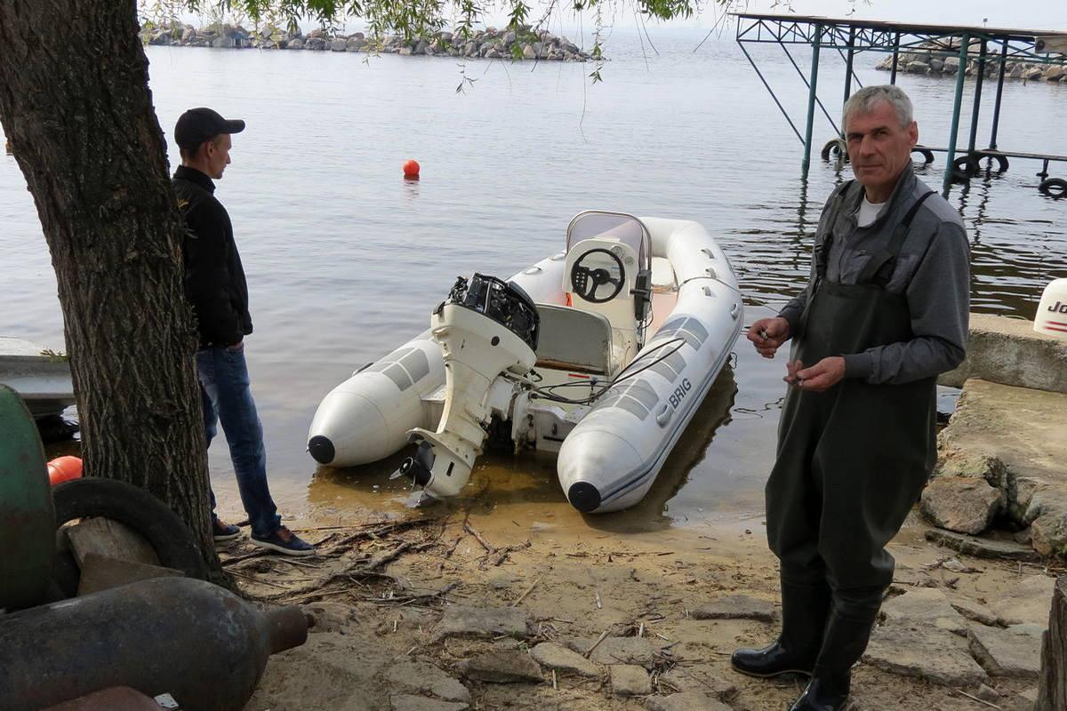 Проводят капитальный ремонт спасательного судна