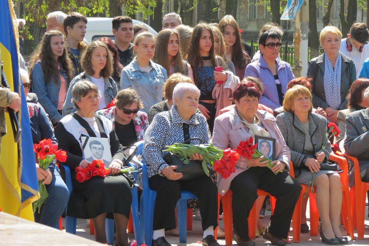 Около мемориала собрались участники ликвидации,члены семей погибших и умерших ликвидаторов