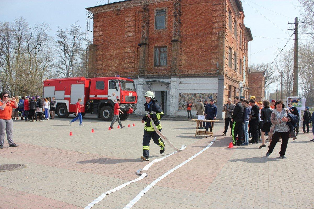 Умение пользоваться пожарным рукавом