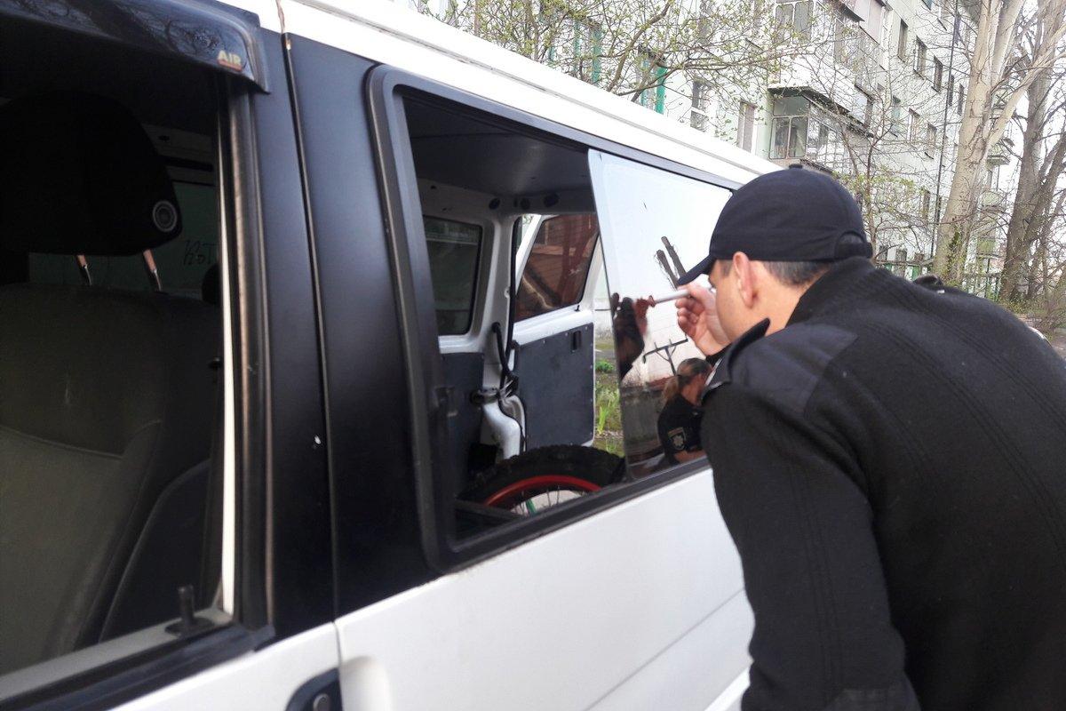 Правоохранители сняли отпечатки пальцев
